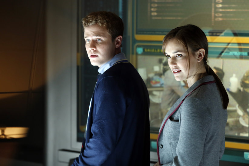 Iain-De-Caestecker-and-Elizabeth-Henstridge-in-Marvels-Agents-of-SHIELD-TV-Series