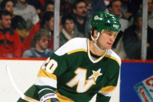 Minnesota North Stars v Boston Bruins
