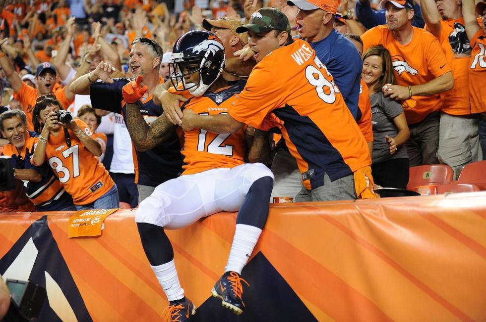 Broncos TD leap